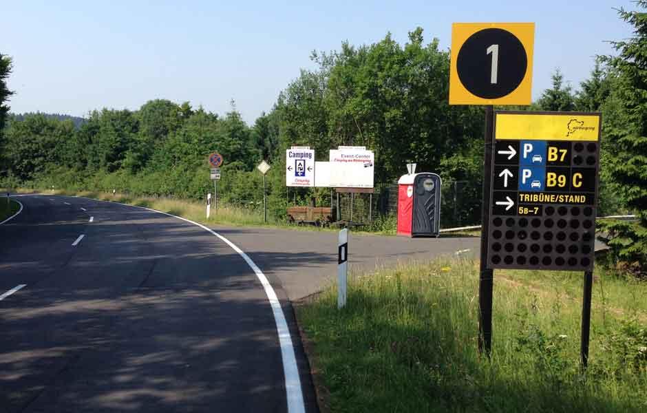 Einfahrt zum Outdoor Offroad Center Nürburgring